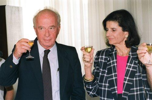 Israeli Premier Yitzhak Rabin and his wife Lea share a toast 23 September 1992 in Jerusalem [MENAHEM KAHANA/AFP via Getty Images]