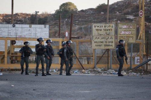 Israeli forces outside Ofer prison in the West Bank on 12 July 2021 [Issam Rimawi/Anadolu Agency]