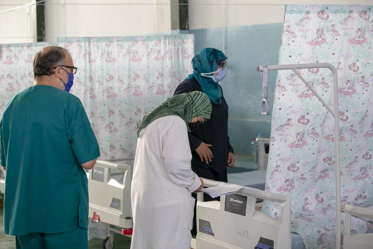 Tunisian surgeons at a COVID-19 ward in Kairouan, Tunisia on 30 June 2021 [Yassine Gaidi/Anadolu Agency]