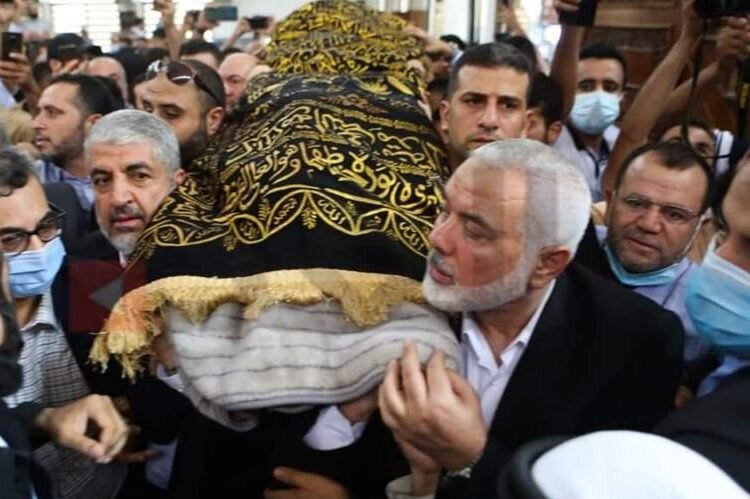 Hamas yesterday thanked the Jordanian king for agreeing to allow the entry of the movement's political bureau chief, Ismail Haniyeh, and the movement's leader abroad, Khaled Meshaal, to the kingdom to attend the funeral of the group's former leader Ibrahim Ghosheh [Palinfo]