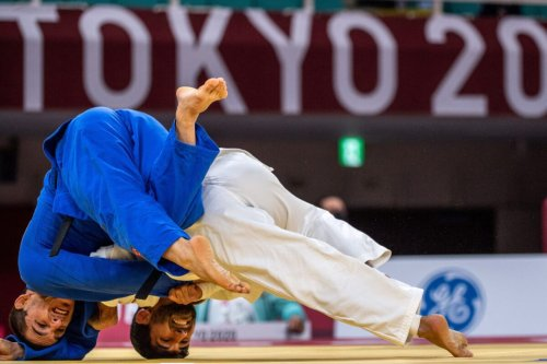 Azerbaijan's Vugar Shirinli competes with Turkey's Recep Ciftci during the men 60kg quarter-finals during the Tokyo 2020 Paralympic Games at the Nippon Budokan in Tokyo on August 27, 2021. (Photo by Philip FONG / AFP) (Photo by PHILIP FONG/AFP via Getty Images)