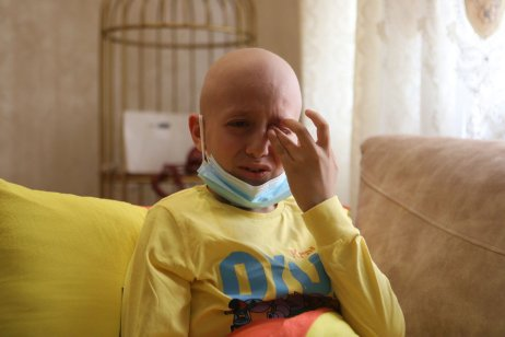 11 year-old Palestinian Ahmed al-Qawasmeh, a bone cancer patient, is seen at his home in Hebron, West Bank on 15 September 2021 [Mamoun Wazwaz/Anadolu Agency]