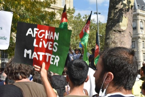 People stage a demonstration in solidarity with Afghani people, in Paris, France, on 5 September 5021 [Yusuf Özcan/Anadolu Agency]