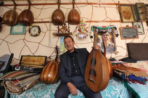 Palestinian musician Khader Al-Bayed, in Gaza on 15 September 2021 [Mohammed Asad/Middle East Monitor]