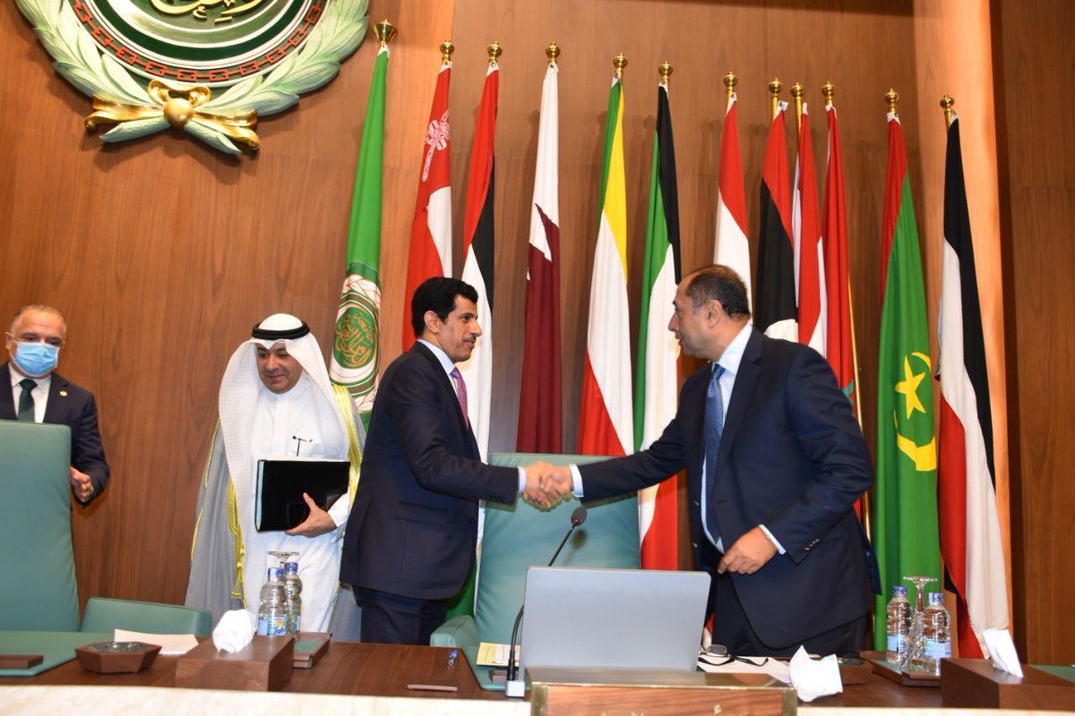 The Permanent Representative of Qatar to the Arab League, Ambassador Salem Mubarak Al Shafi, handed over the presidency to Permanent Representative of Kuwait, Ambassador Ahmad Abdul Rahman Al Baker [@QNAEnglish/Twitter]