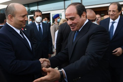 Thumbnail - Israeli prime minister visits Egypt in first official trip for a decade