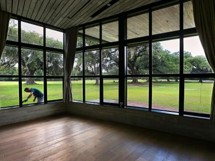 Middleton Place's new pavilion stands out by blending into a famous landscape