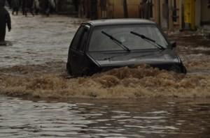 Les rues inondées, un véritable cauchemar pour les automobilistes après chaque forte averse à Tanà. Photo d'archives.