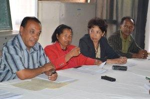 Les membres du SECES lors d'une conférence de presse hier à Ankatso.