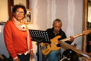 Fanja Andriamanantena va clore sa tournée française par un grand concert au Sunset Sunside.