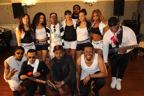 Musique tropicale : Dany Engobo et ses danseuses vont débarquer à Tana