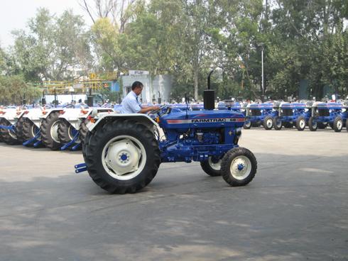 Importation de tracteurs : Les enquêtes se poursuivent