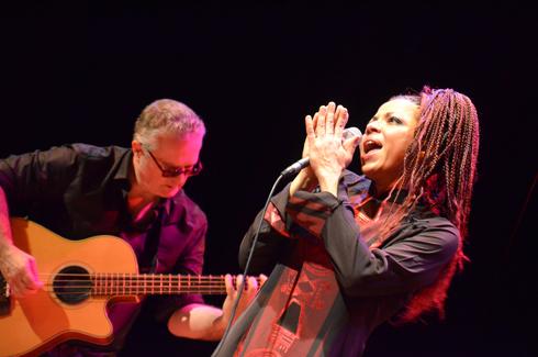 Mina Agossi : Une prêtresse du jazz et du blues non-conformistes