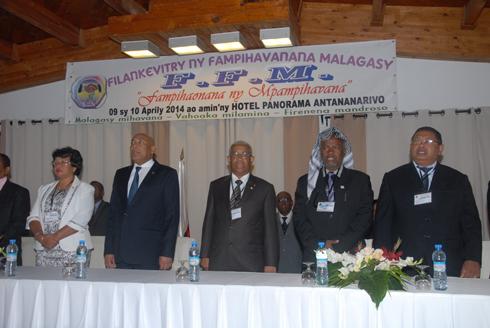 Panorama : Zafy, Deba, Rajoelina et le FFKM boycottent la rencontre du FFM
