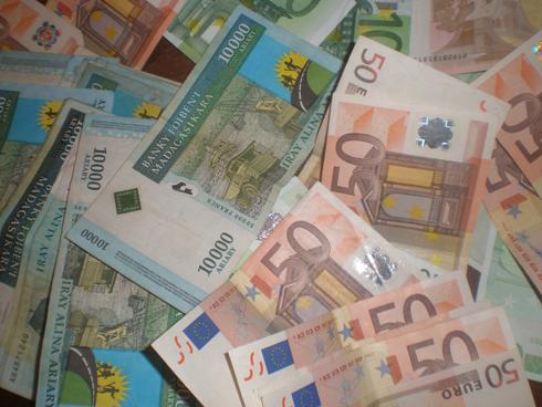 Marché monétaire : Dégringolade progressive et continue de l'Ariary