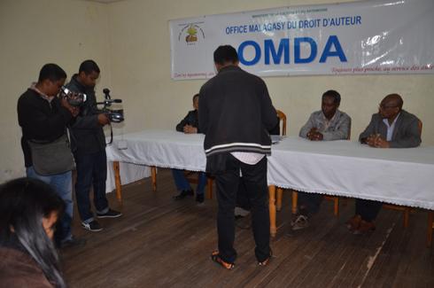 Droit d'auteurs : Les cybercafés devront payer 2 000 Ar/ordinateur/mois à l'Omda