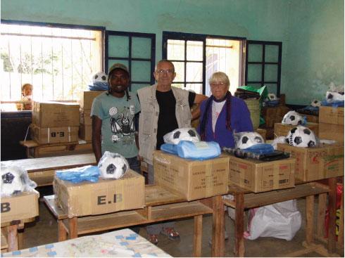 Babakoto-France : Distribution de fournitures scolaires pour les établissements publics d'Antoetra-Zafimaniry…