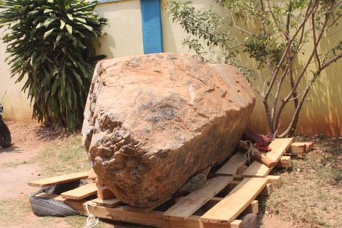 Administration minière : Le quartz fumé de 6T de Tsiroanomandidy déplacé Antananarivo