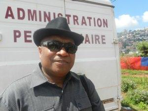 Le Col Jadifara Laurent, en pleine forme, à sa sortie de la prison d'Antanimora hier matin.