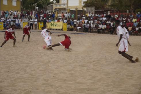 Beach soccer : Des Barea revus et corrigés !