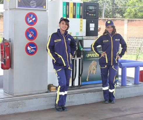 Distribution pétrolière : Nouvelles tenues pour les pompistes de Jovenna
