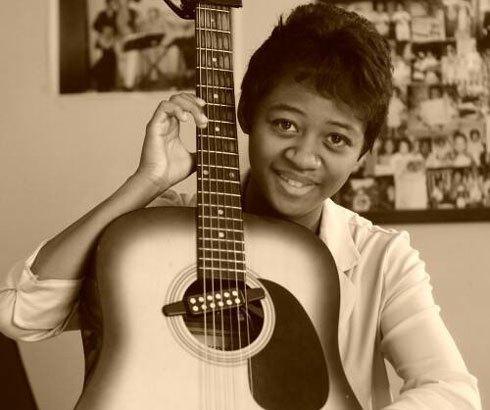 Art Sakafo : Mall's, chanteuse et guitariste en vedette