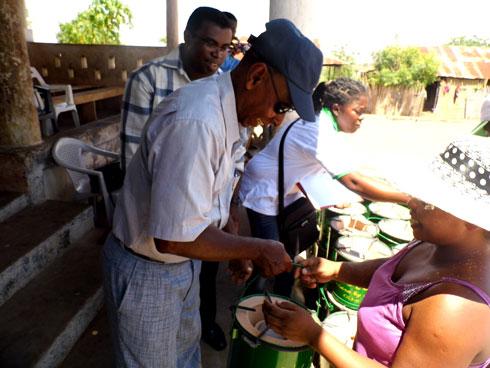 Programme Matoy – Menabe : Distribution de 500 foyers économiques à prix  subventionnés