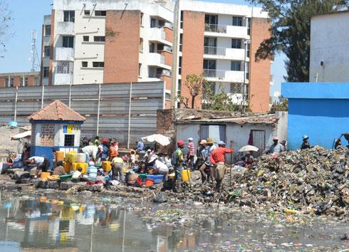 Imminent début de la saison de pluies : Les canaux d'évacuation des eaux usées toujours bouchés