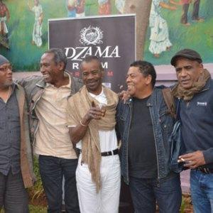 Ils sont unis par la même passion de la musique malgache. Il manque Justin Vali qui est encore à La Réunion avec Malagasy Orchestra. (Photo Kelly)