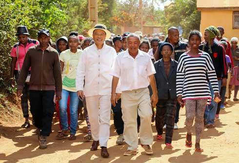 Edgard Razafindravahy : Référendum avant les élections