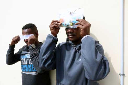 Ankadimbahoaka : Mpanao menaka lavanila hosoka, roa lahy nidoboka am-ponja