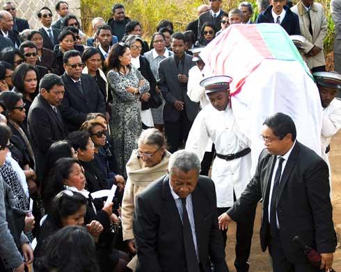 Zo Rakotoseheno : Emouvantes obsèques, hier