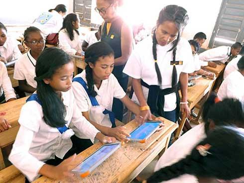 Orange Madagascar  : 95 écoles numériques déployées dans tout Madagascar