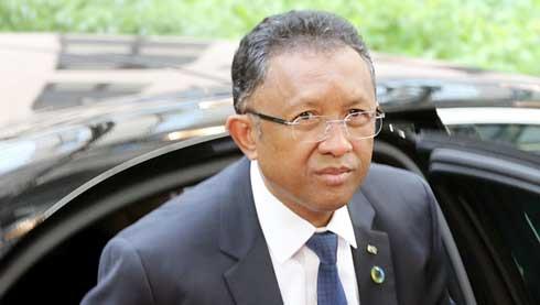 Hery Rajaonarimampianina : Double manœuvre au niveau du Parlement ?