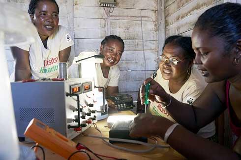 Accès en énergie des zones rurales isolées : Les « mamies solaires » cartonnent