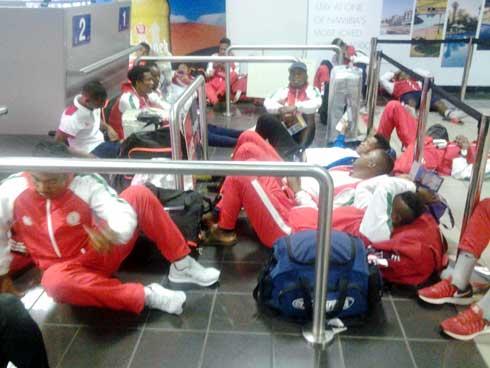 Football – CHAN  : Les Barea dormaient par terre à l'aéroport de Windhoek