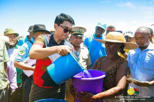 Aides d'urgence dans le Sud : Andry Rajoelina occupe le terrain