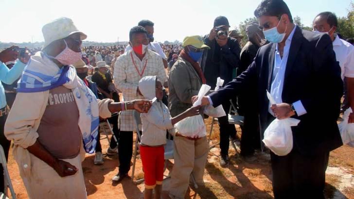 Commune Ampitatafika :La fondation HV offre des PPN aux habitants