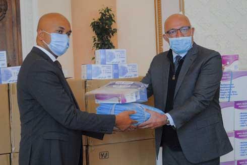 Aga Khan : Don de 50 000 masques chirurgicaux