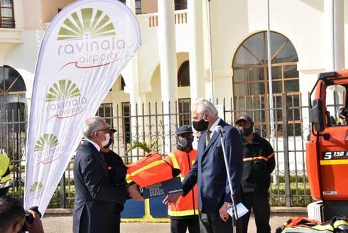 Ravinala Airports : Don d'équipements  pour les  sapeurs-pompiers d'Antananarivo