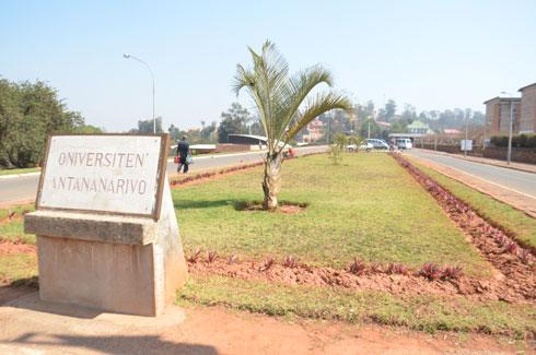 MESupReS/Prime sociale : 200 millions d'Ar pour l'université d'Antsiranana et de Fianarantsoa