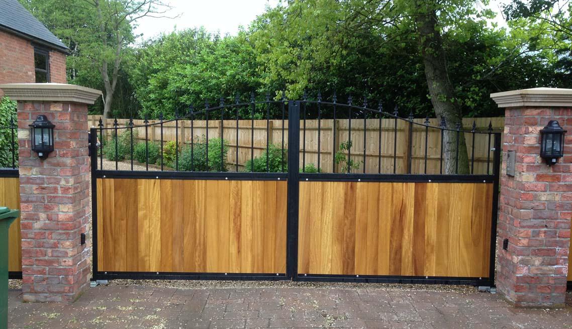 timber-gates-2