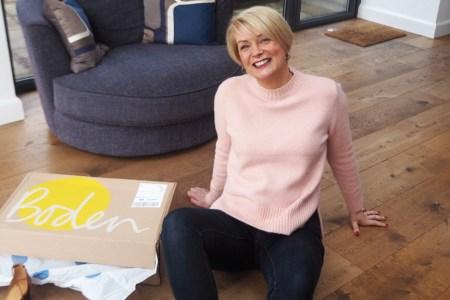 capsule wardrobe updates for women over 40 spring 2017 midlifechic. Black Bedroom Furniture Sets. Home Design Ideas