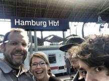 Midlife Sentence | family selfie in Hamburg