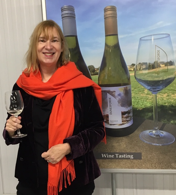 Award Winning Artist Lesley Birch enjoy a glass of wine