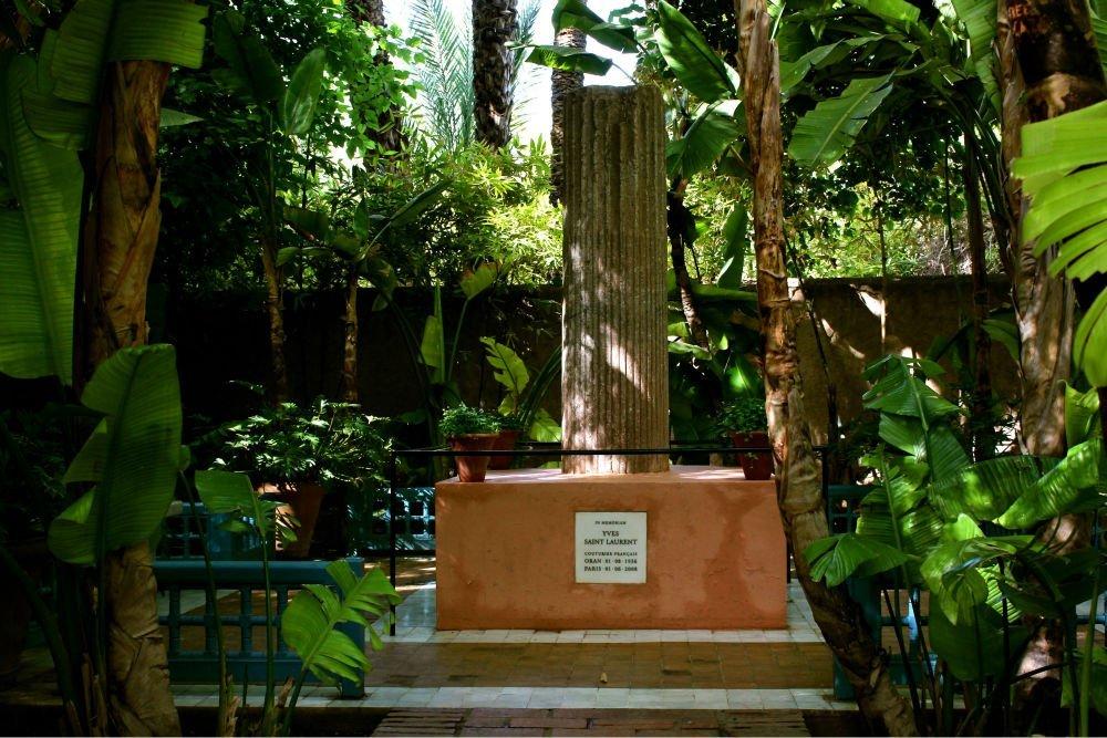 jardin-majorelle-marrakech-yves-saint-laurent-morocco-midnight-blue-elephant