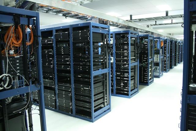 LiquidWeb-Server-Room-Rows-Optimized