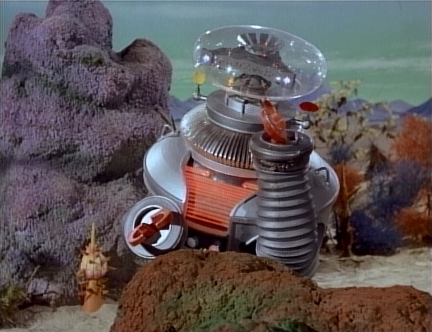 Deep Dive Review Of Netflix Lost In Space Reboot Episode
