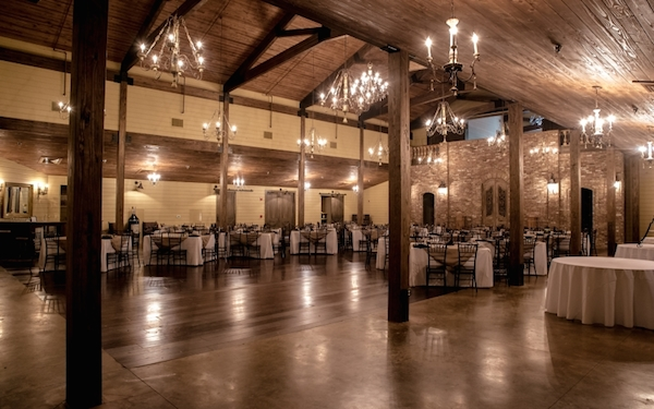 Rustic Farm And Barn Wedding Venues Near Memphis Mid South Bride