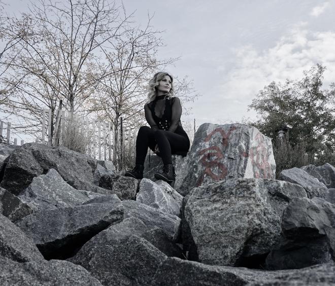 Diana Sophia-Runaway